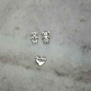 Origami Owl charms- 2 girls and a Family heart